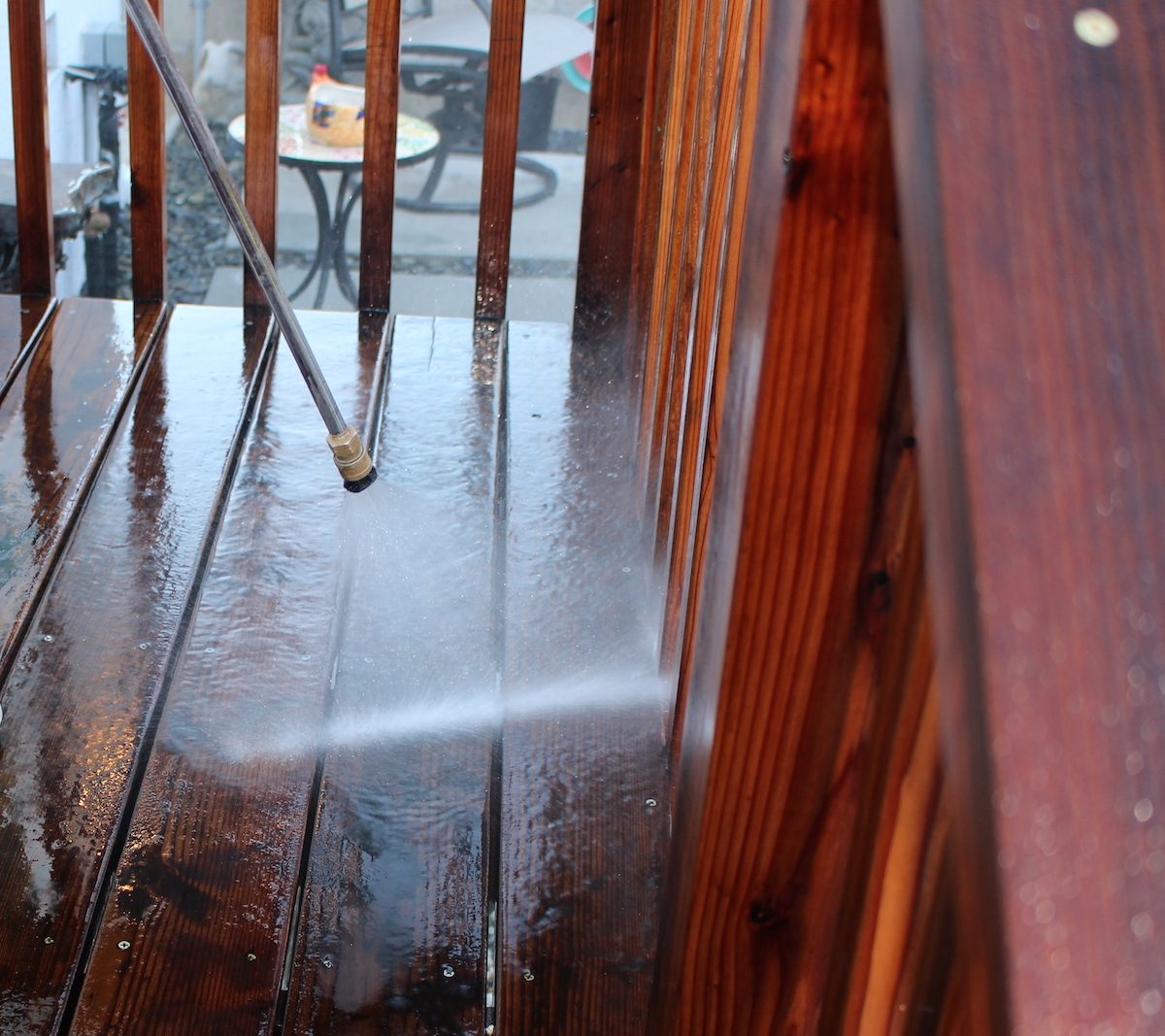 Do You Really Need to Hire a Professional to Pressure Wash Your House?
